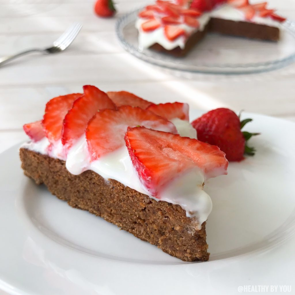 Strawberry Cake with Coconut flour and Greek Yoghurt frosting (Gluten Free)